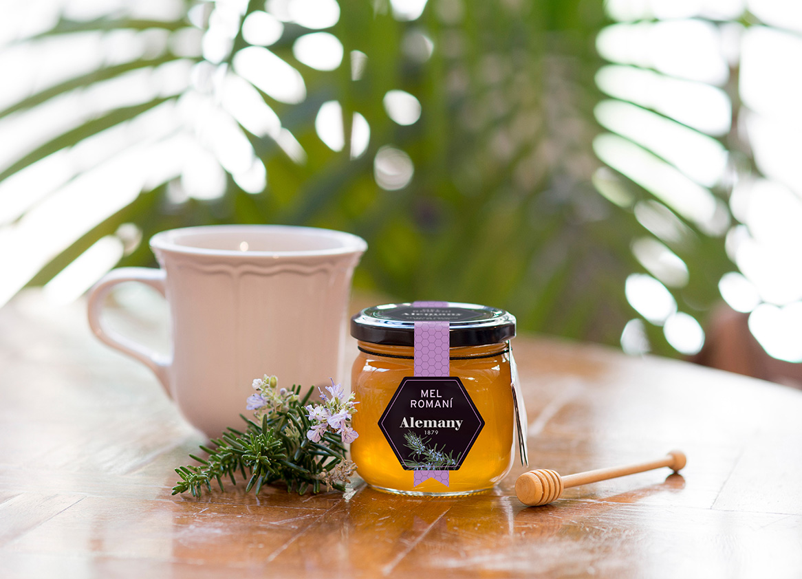 Turrones y miel con estrella