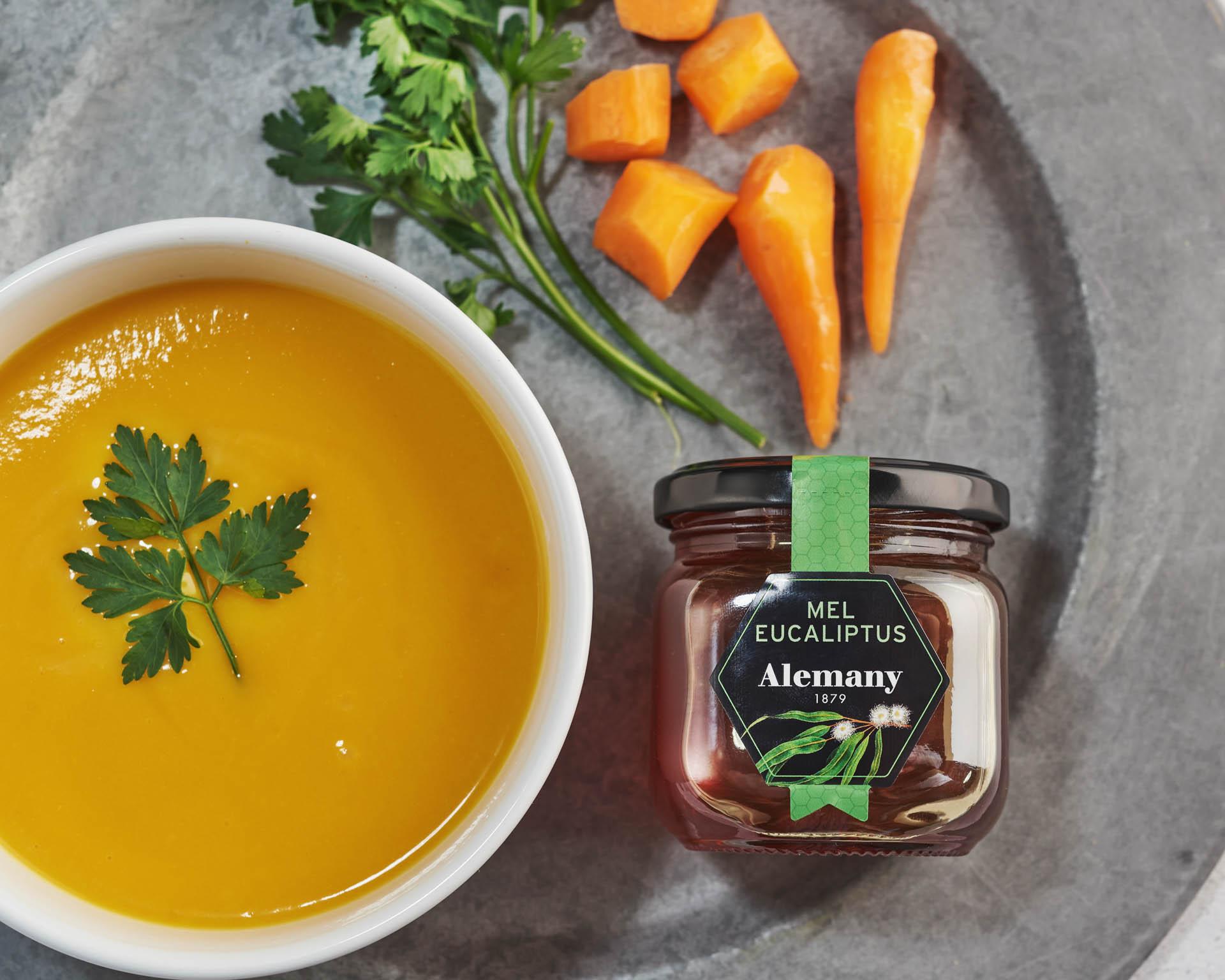 Crema fresca de zanahoria, melón y miel de eucalipto