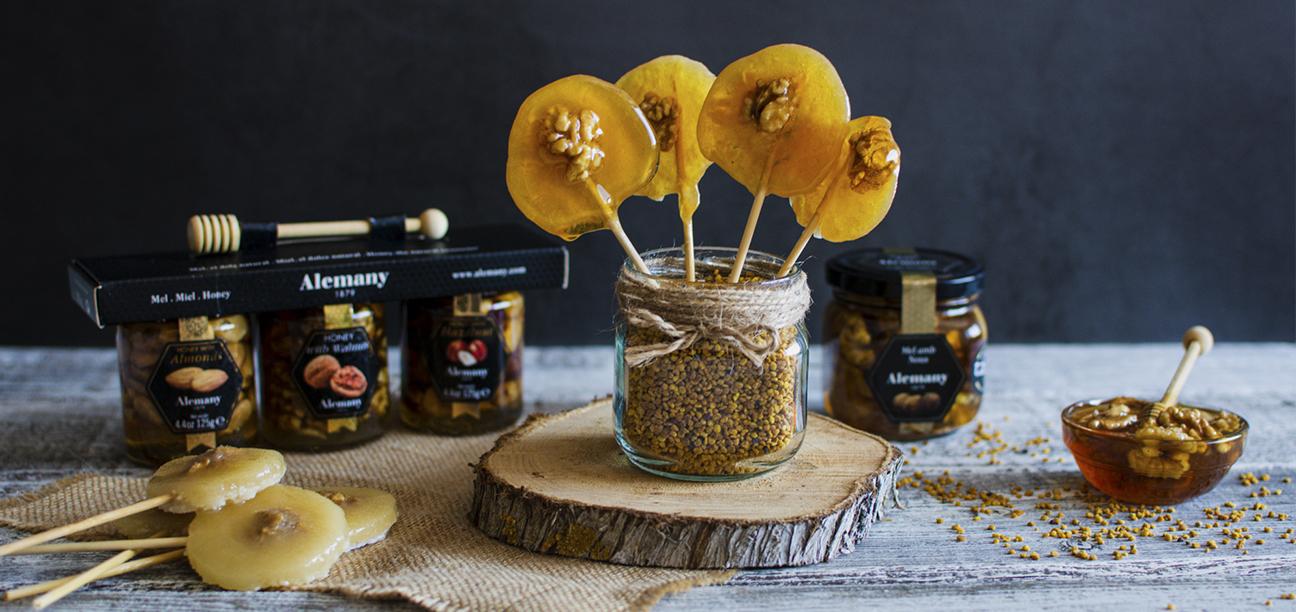 Piruletas de miel con nueces