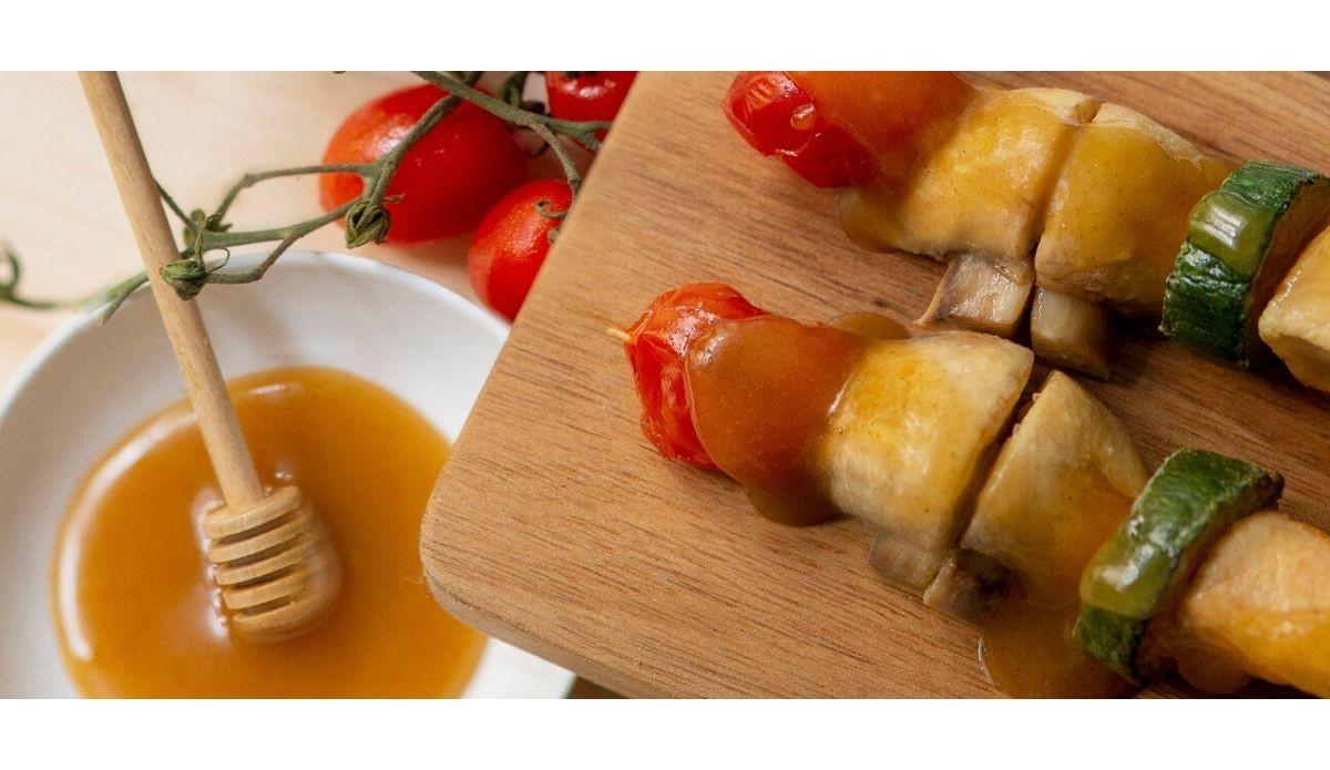 Receta: Brochetas de pollo con verduras, champiñones y Oleomel con Jengibre