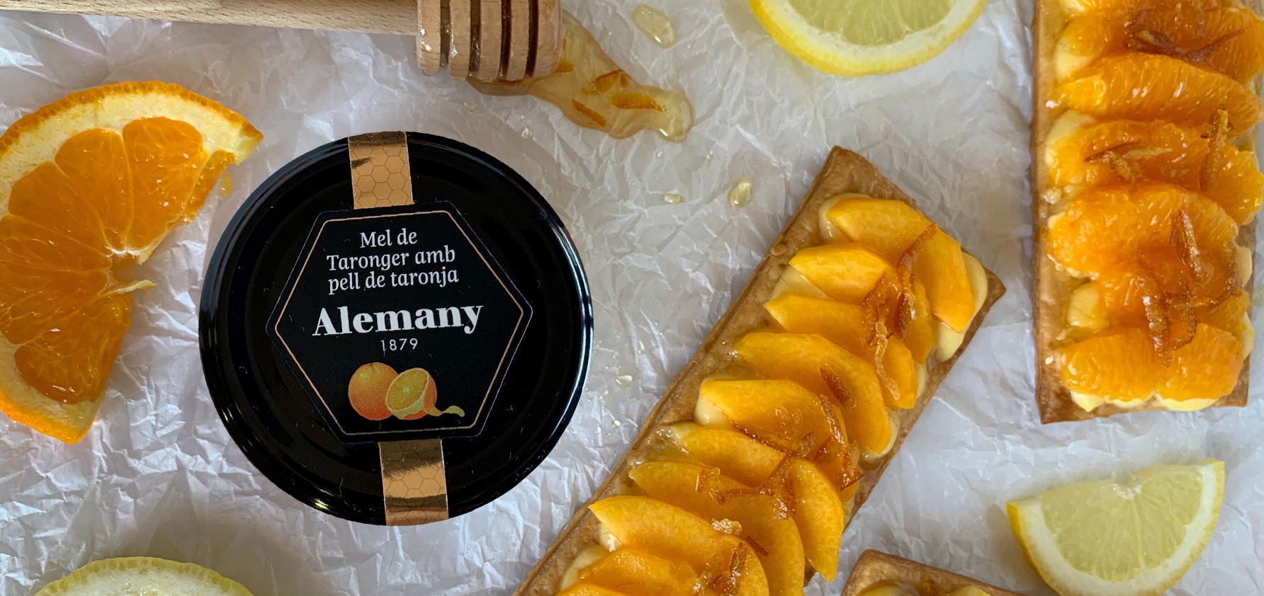 Pasta de full amb fruita i mel de taronger amb pell de taronja