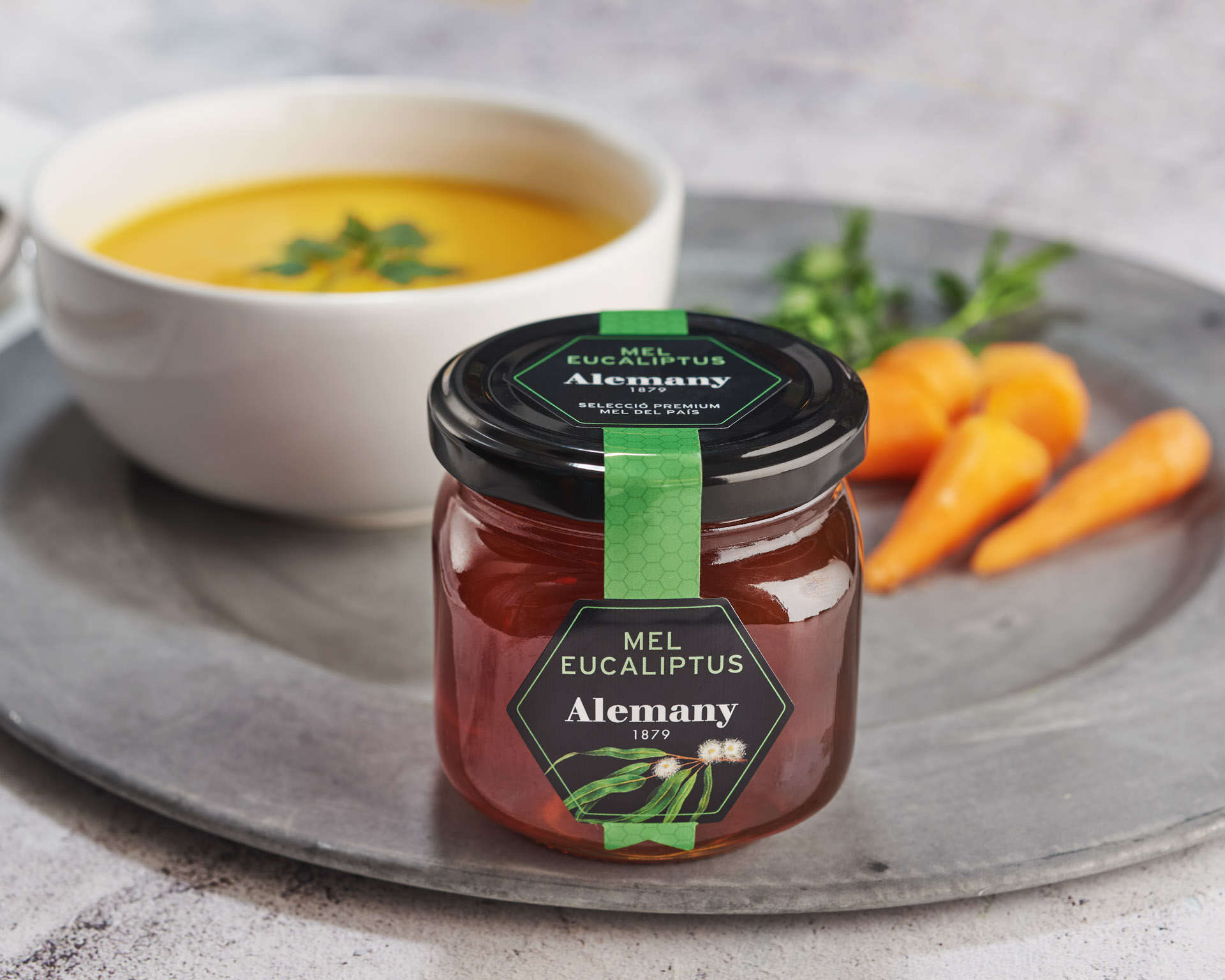 Crema fresca de pastanaga, meló i mel d'eucaliptus