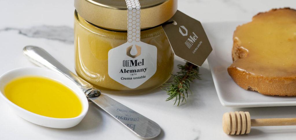 Olimel Alemany: Substitueix el greix de la mantega per l'oli d'oliva i els carbohidrats del sucre pels de la mel
